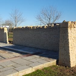 cotswold-stone-design-cheltenham-dry-stone-wall-swimming-pool2